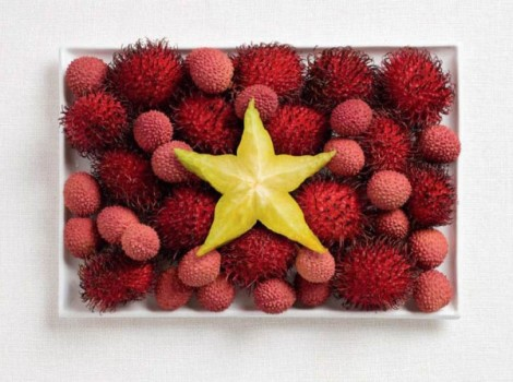 Vietnam flag made from rambutan, lychee and starfruit.