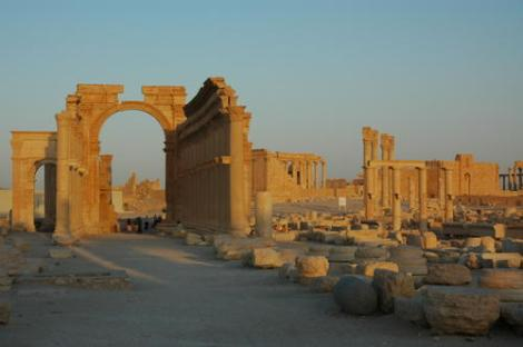 Palmyra (Photo: Ron Van Oers)