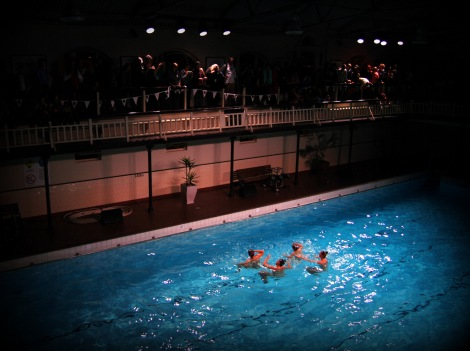 Moonlight Synchro, City Baths