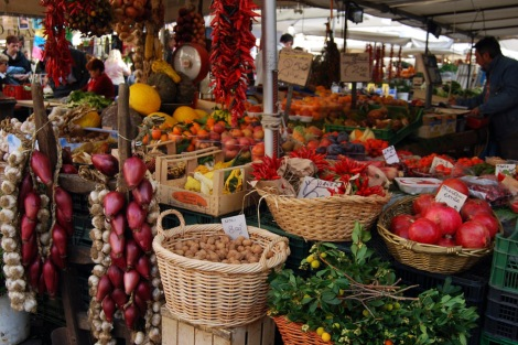 Market stall, Campo dei Fiori Market, Rome, 2009, by Amy Feldtmann