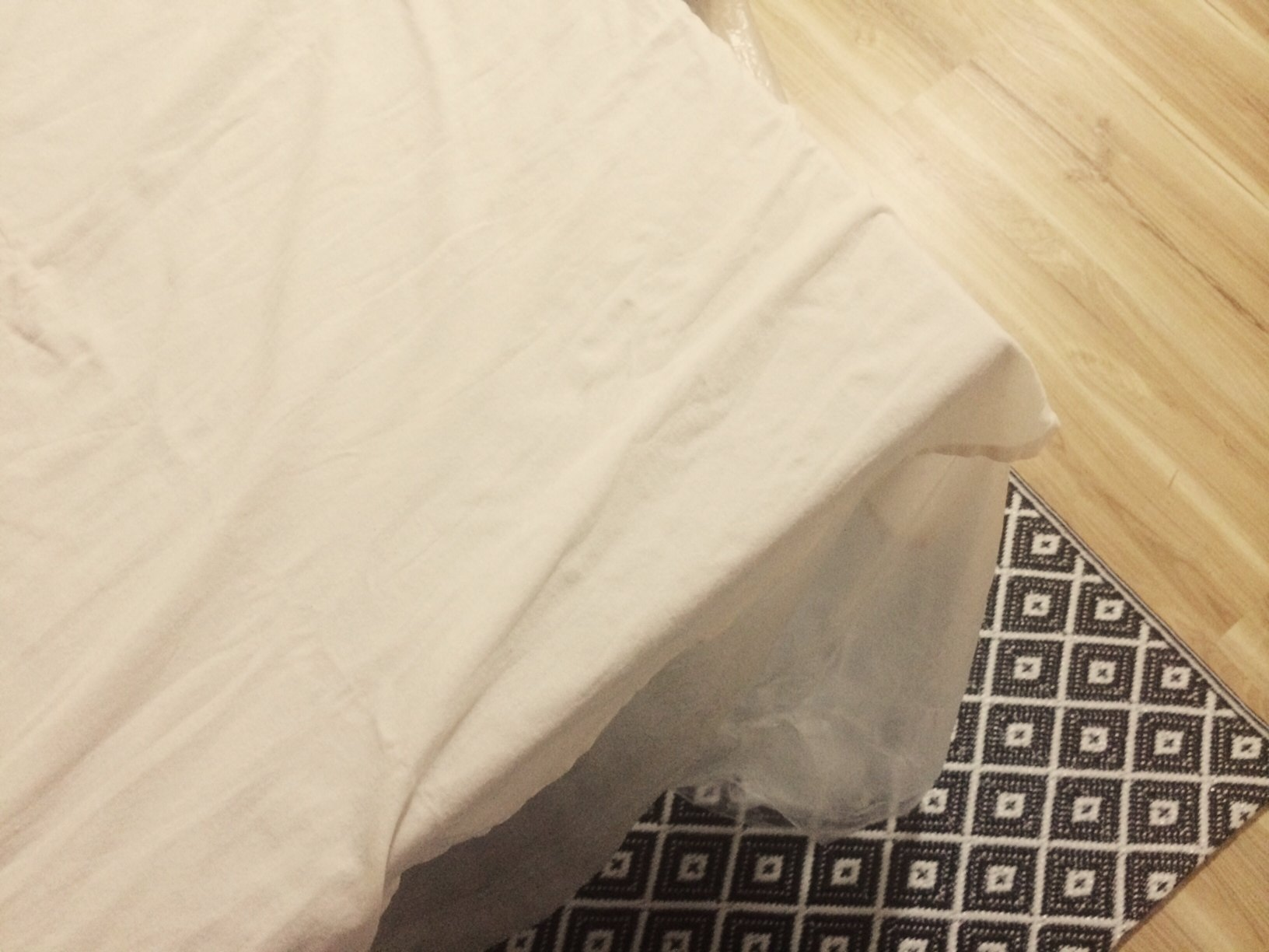 The tablecloth experiment or how to dye fabric naturally
