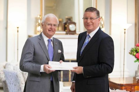 Premier Denis Napthine with Governor Alex Chernov and the 2014 Victorian election writs (Source: abc.net.au/Office of the Governor)