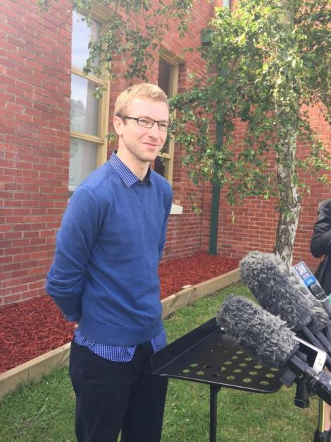 Tom Napthine does his first presser, talking up edu spend. Vic Premier says he did a great job (Via Alison Savage Twitter)