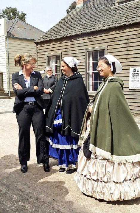 Jacinta Allan MP chatting with some of the fabulous members of the Sovereign Hill team.  (Via Victorian Labor Twitter)