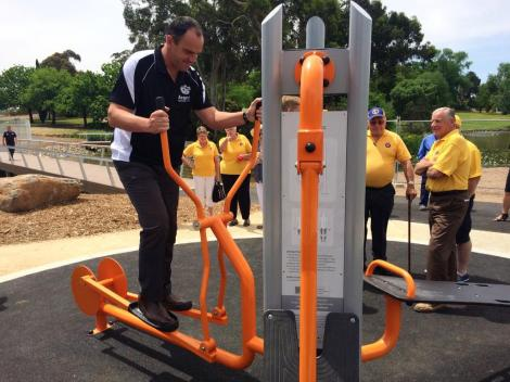 Making it look easy!  Supporter of Ararat Active projects Scott Turner Nats on new pathway equip (Via Peter Ryan Twitter)