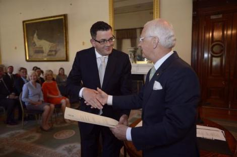 Daniel Andrews is sworn as Victorian Premier by Governor Alex Chernov (Via The Age Photography Twitter)