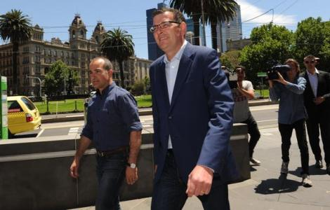Victorian premier-elect Daniel Andrews promises to work with micro parties (Via SBS News Twitter)