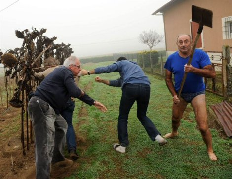 Bird Protection League president clashes with (pantless) owner of plot where bird traps found; France (AFP)
