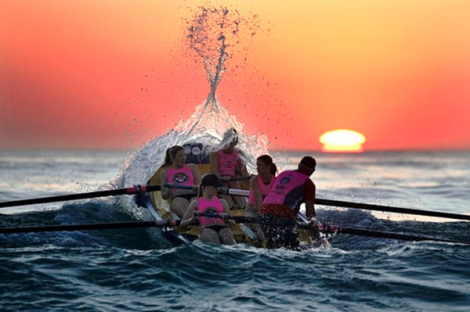 North Cronulla women's boat crew, early morning; Sydney (John Veage @photosSMH)