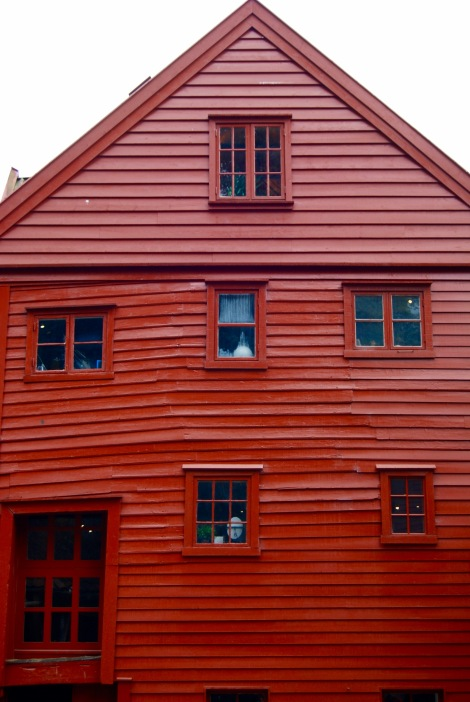Bergen windows (August 2016). By Amy Feldtmann.