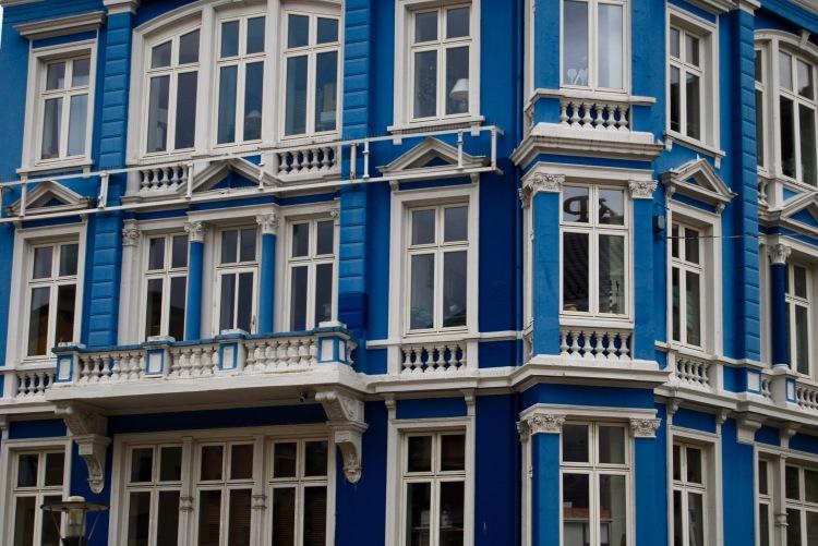 Blue Bergen windows, Norway (August 2016). By Amy Feldtmann.